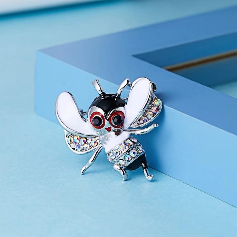 Linksmoji bitė